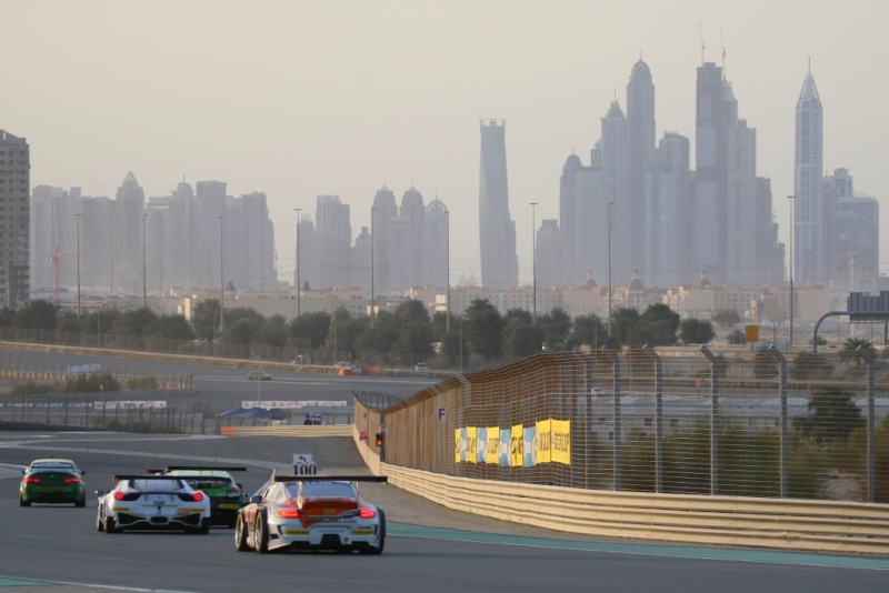 un week-end aux 24 heures de Dubaï - Page 2 819x2010