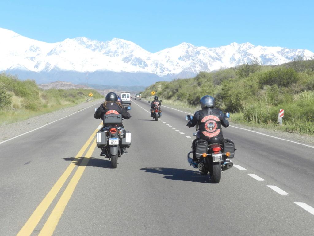 Un Motociclista usa...  Dscn6510