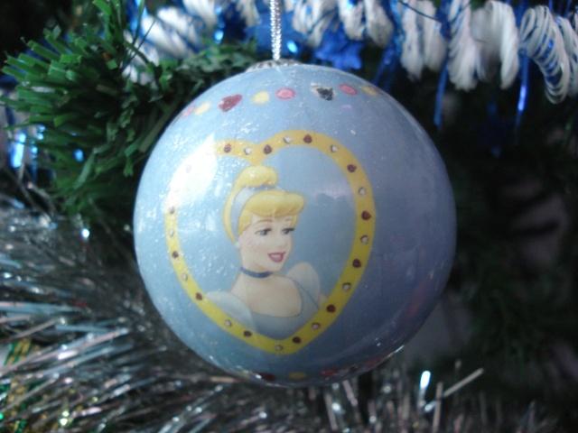 Vos décorations de Noël  Dsc01410