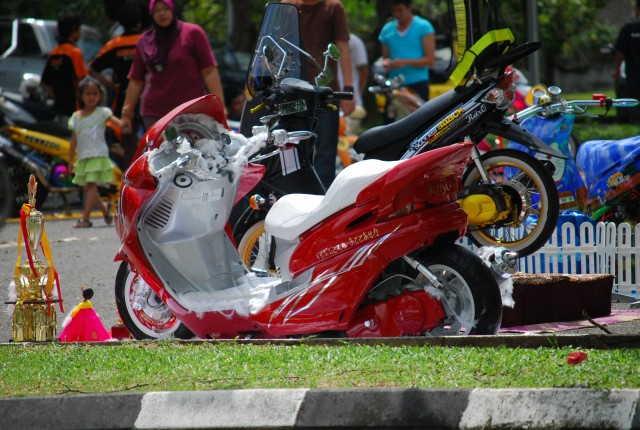scooter-attack customs sarawak - Page 10 11amyj12