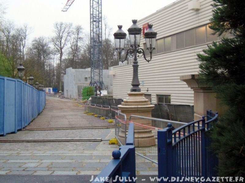 """Construction du Dark Ride  """"Ratatouille - L'Aventure Totalement Toquée de Rémy """"pour 2014 - Page 6 6603010"""