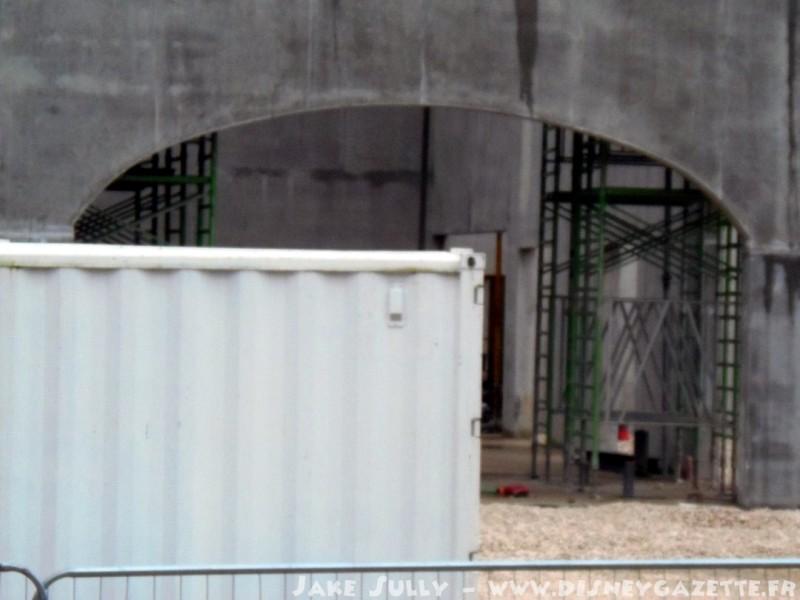 """Construction du Dark Ride  """"Ratatouille - L'Aventure Totalement Toquée de Rémy """"pour 2014 - Page 6 6603810"""