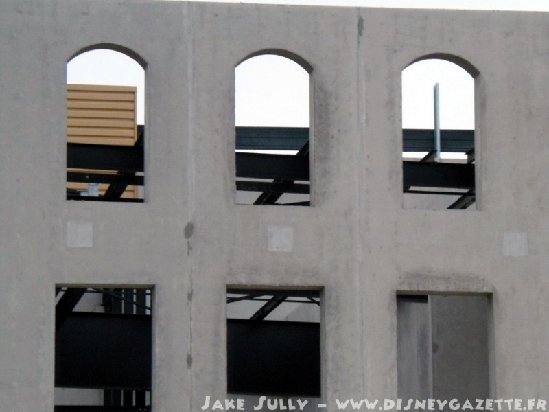 """Construction du Dark Ride  """"Ratatouille - L'Aventure Totalement Toquée de Rémy """"pour 2014 - Page 6 6603910"""