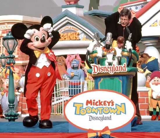 Retour dans le passé a Disneyland Californie - Page 8 Tic10910