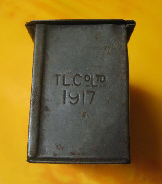 Identification d'une boite métallique. Box210