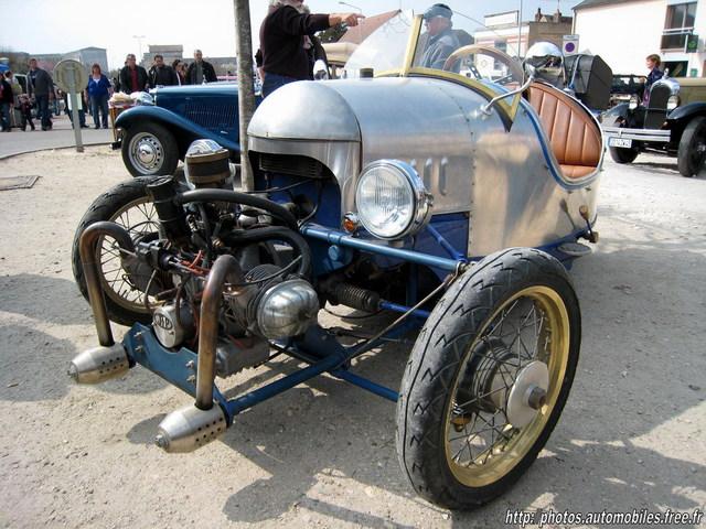 Musée des horreurs et délires automobiles - Page 2 Jp1r10