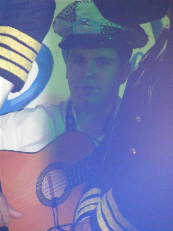 2010 sin uno de nuestros guitarras... Axwwj810