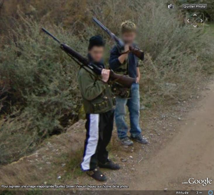STREET VIEW : 2 garçons armés à Sérignan-Plage Armes10
