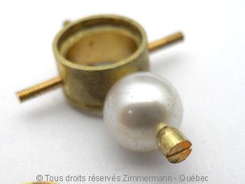Une tanzanite superbe et quatre perles Akoya Peofp118
