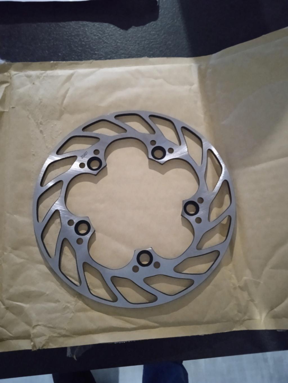 Gain de poids kit chaine/ disques Img_2057