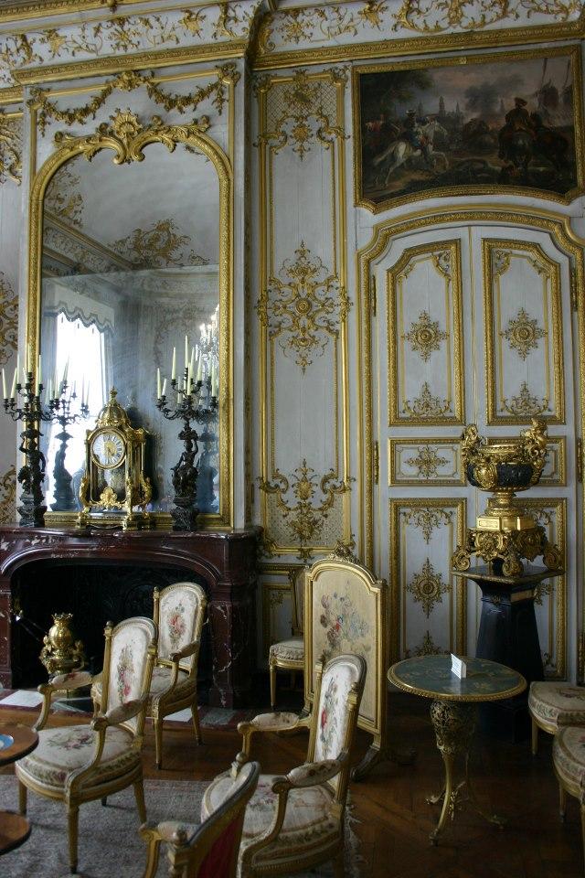Les châteaux Parisiens 19034910
