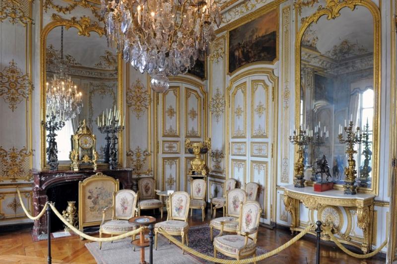 Les châteaux Parisiens 19870310