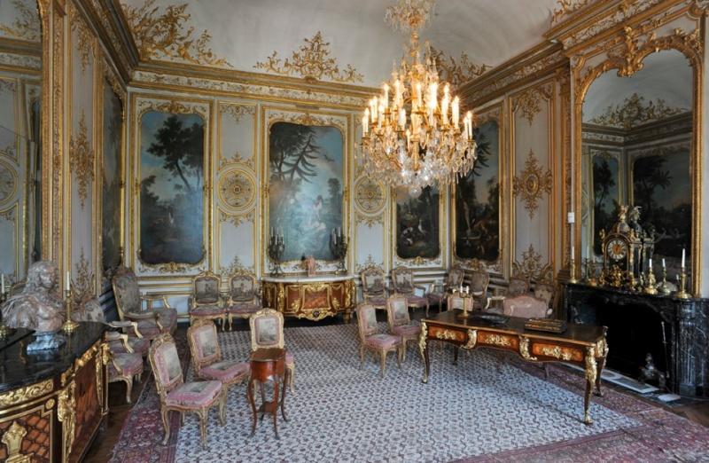 Les châteaux Parisiens 53571810