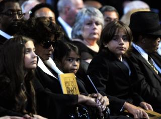 Trouvez vous que Lourdes et la fille de Michael Jackson Paris se ressemblent? Michae10
