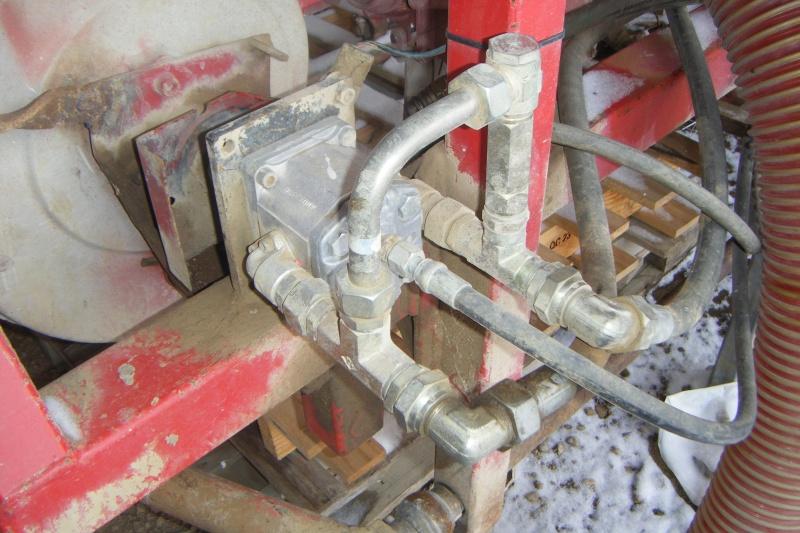 Modif semoir accord turbine hydraulique Dscf1910