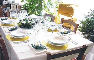 Bien décorer sa table de Noël Table_10