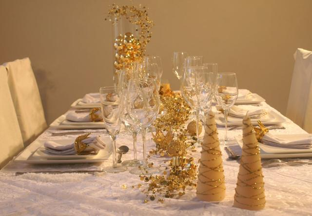 Bien décorer sa table de Noël Table_11