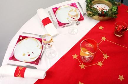 Bien décorer sa table de Noël Table_13