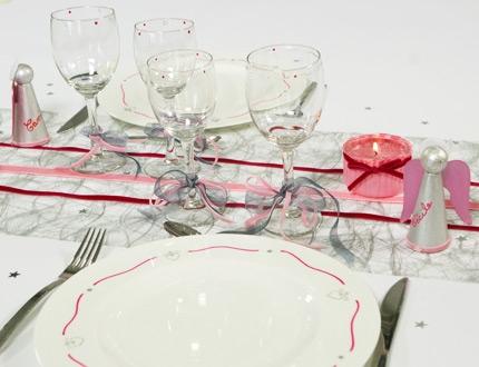 Bien décorer sa table de Noël Table_14