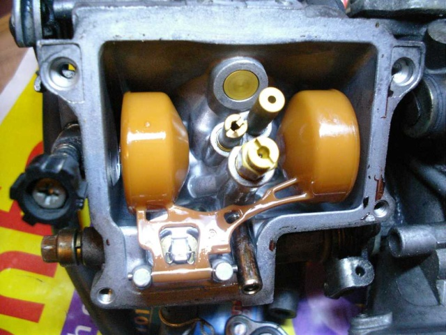 XRV 650 : Fuite par trop plein carburateurs Mon_ca15
