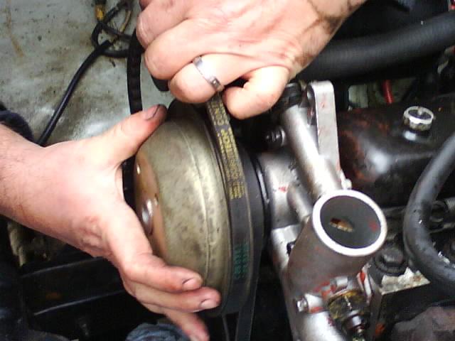 pompe a eau renault 6 1180 Dsc01010