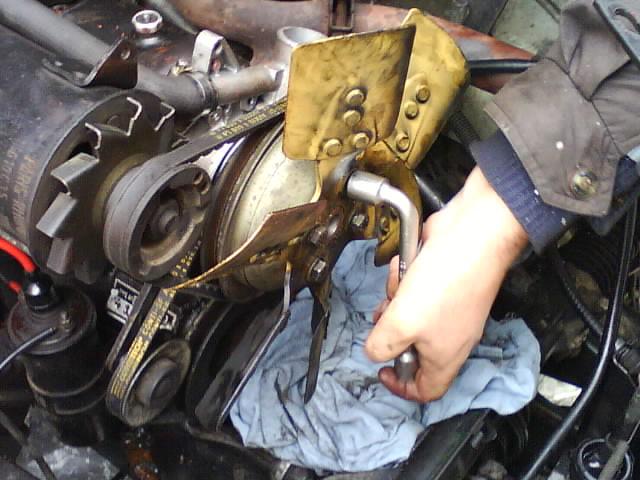 pompe a eau renault 6 1180 Dsc01013