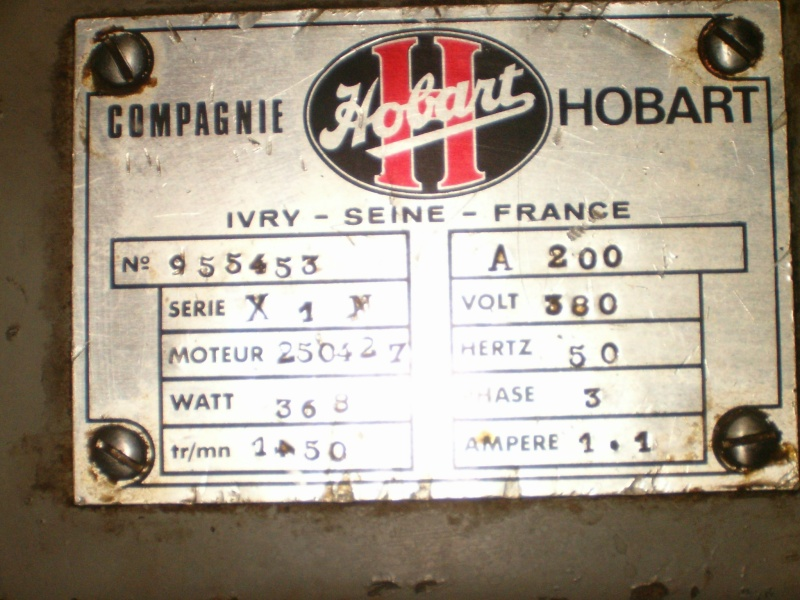 Variateur de vitesse pour un moteur triphasé alimenté en monophasé par le variateur de vitesse Hpim3711