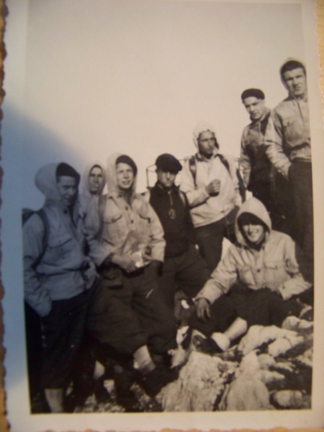 Jeunesse et Montagne: les tenues Cjs_2_11
