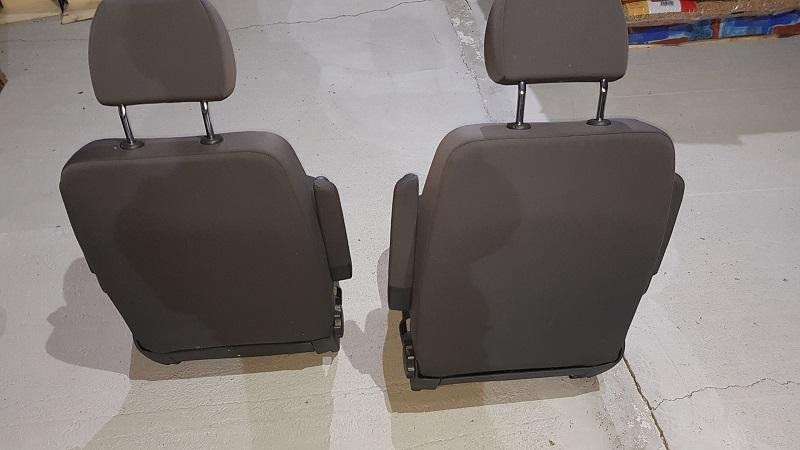 vends pièces de T5.1 de 2013 et accessoires 20181120
