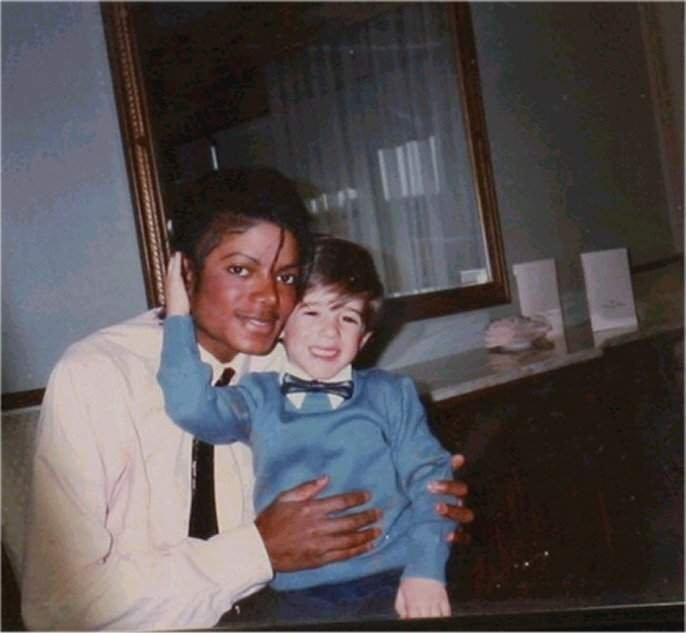 Foto di Michael e i bambini - Pagina 12 5310