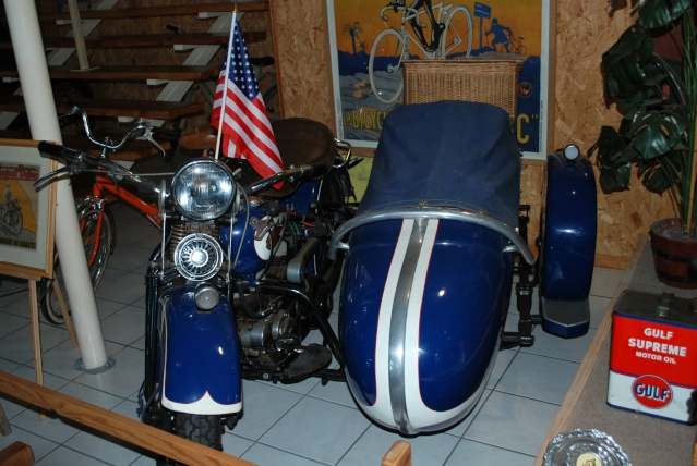 Quelques photos de motos du musée Baster à RIOM 20110915