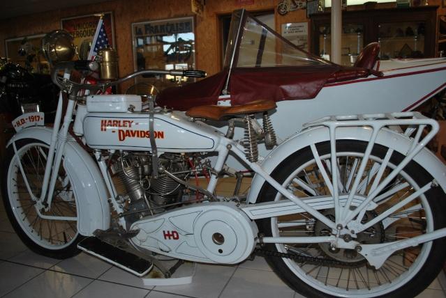Quelques photos de motos du musée Baster à RIOM 20110917