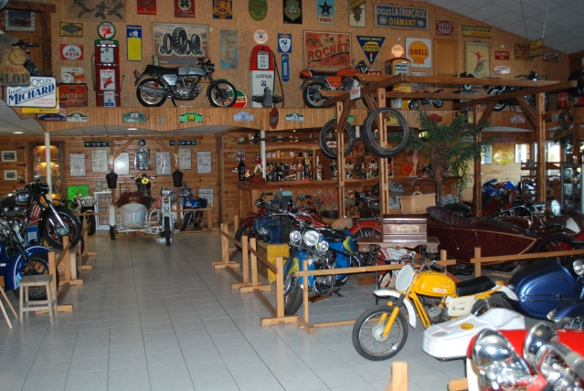 Quelques photos de motos du musée Baster à RIOM 20110923