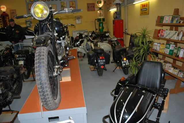 Quelques photos de motos du musée Baster à RIOM 20110927