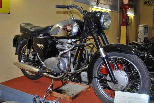 Quelques photos de motos du musée Baster à RIOM 20110929
