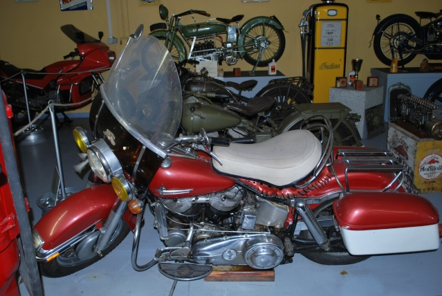 Quelques photos de motos du musée Baster à RIOM 20110932