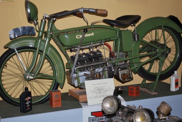 Quelques photos de motos du musée Baster à RIOM 20110933