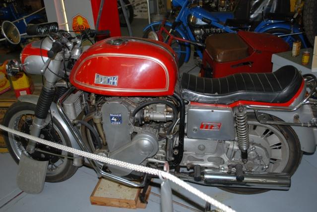 Quelques photos de motos du musée Baster à RIOM 20110935