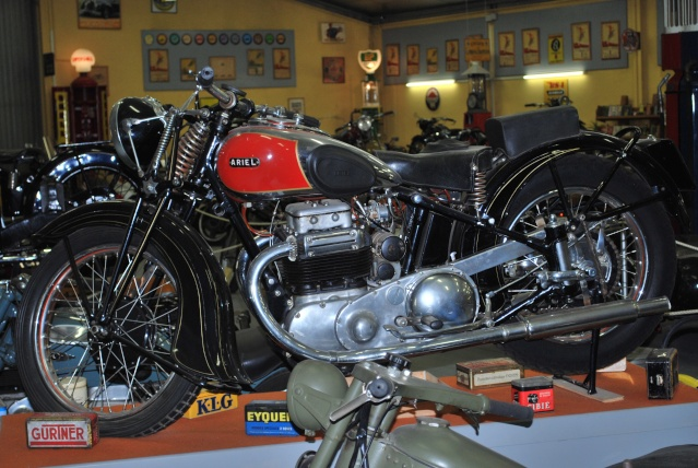Quelques photos de motos du musée Baster à RIOM 20110936
