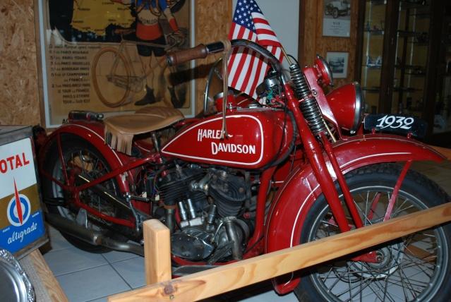 Quelques photos de motos du musée Baster à RIOM 20110938