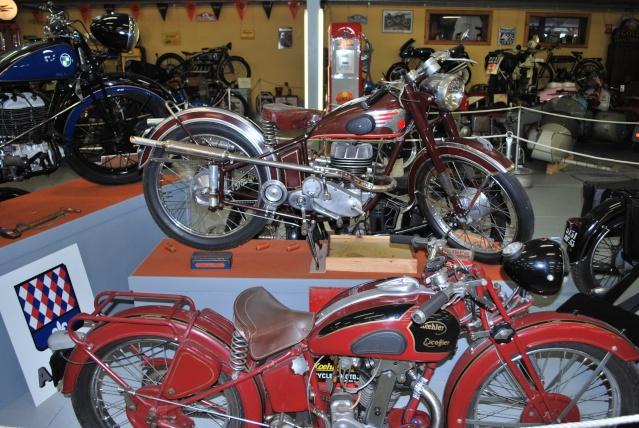 Quelques photos de motos du musée Baster à RIOM 20110943
