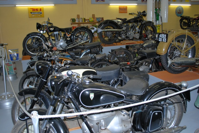 Quelques photos de motos du musée Baster à RIOM 20110945