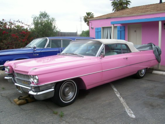 Pink Motel and Cadillac Jack's café, Los angeles, Californie - USA Cad110