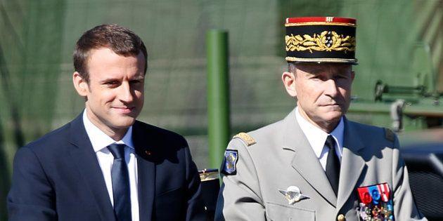 La Prophétie de la Symétrie Miroir - Page 30 Macron10