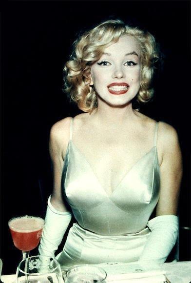 Marilyn Monroe - Page 6 Pytjpt10