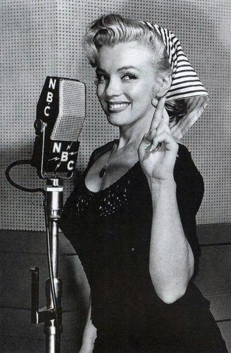Marilyn Monroe - Page 6 Uhtir010