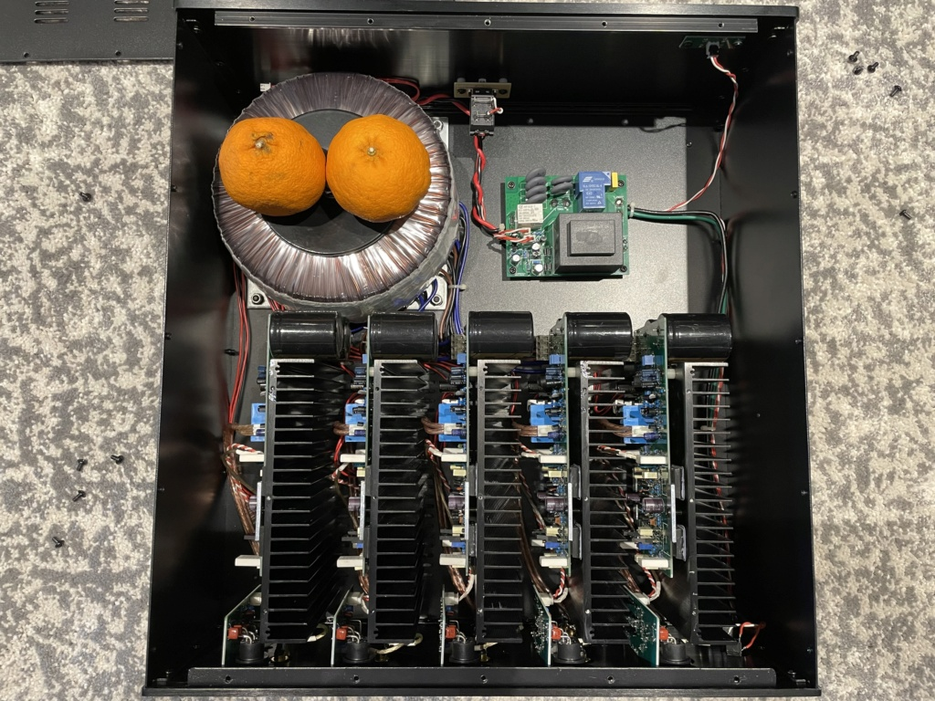 Qinchao YC-5250 5-Channels 250Wpc power Img_5212