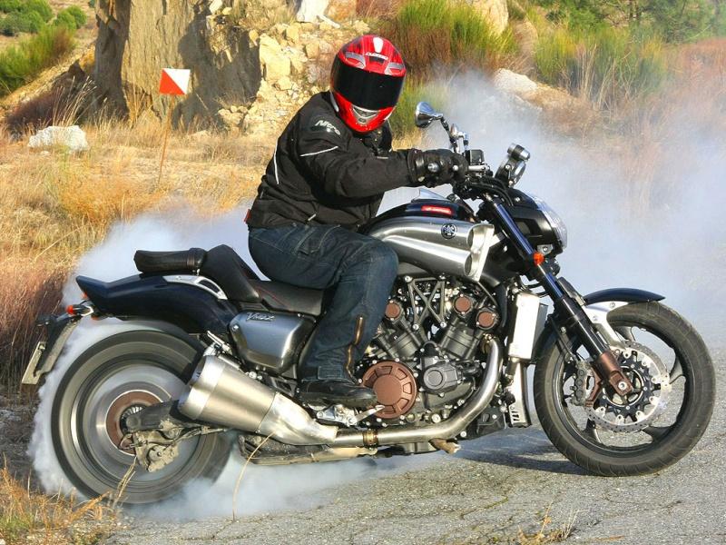 Quel serait la moto de vos rêve ? Vmaxjp10