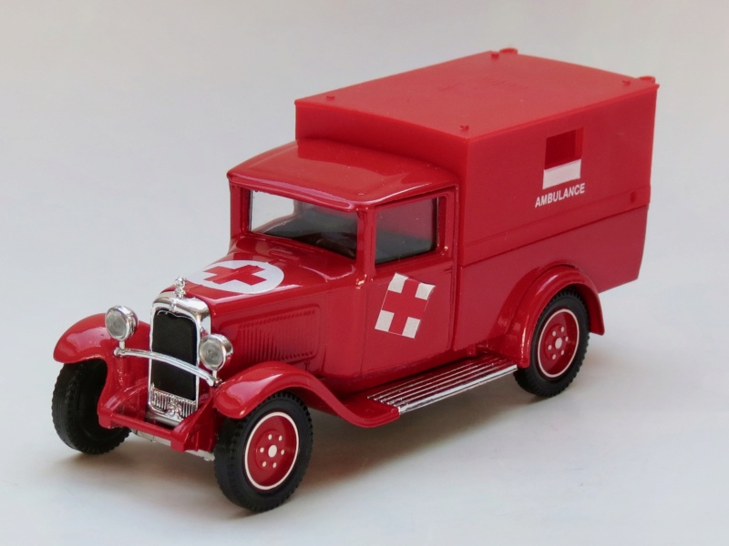 """Citroën miniatures > """"Ambulances, transports de blessés et assistance d'urgence aux victimes"""" 1930_c13"""