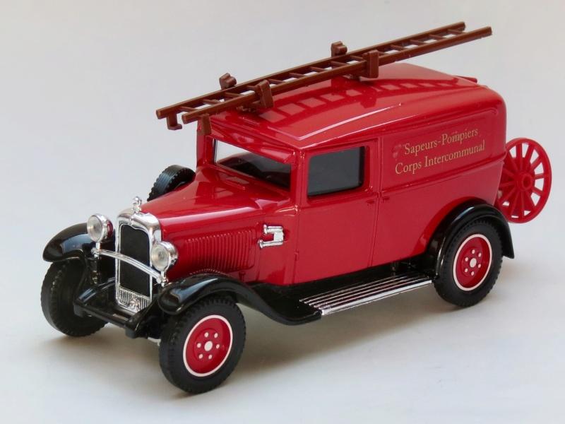 2000 à 2007 > HACHETTE > Les véhicules de sapeurs pompiers et leur univers 1930_c18